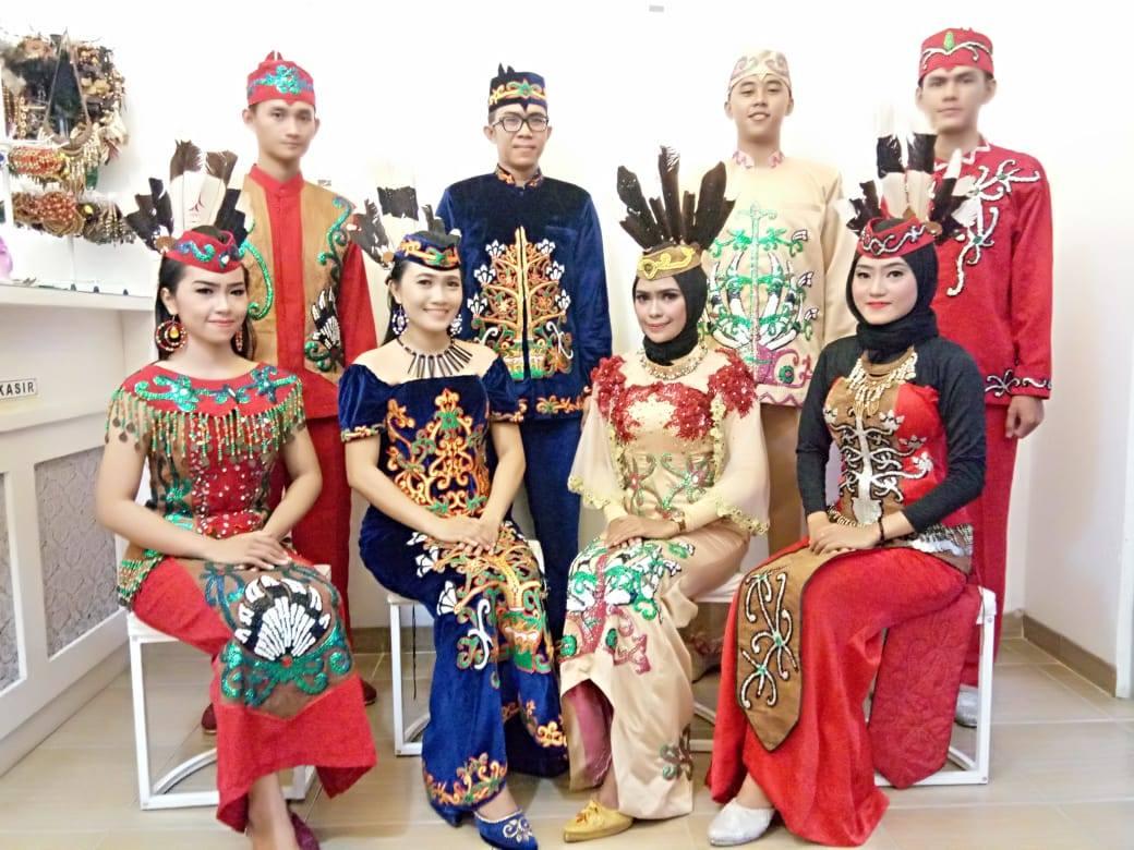 Penyewaan Pakaian Tari/Adat Dayak Kalimantan Tengah